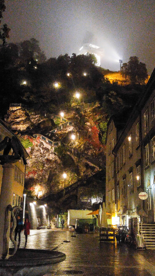 Schlossberg Graz at night